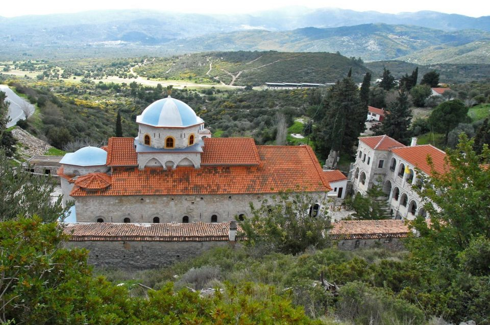The Monastery of the Holy Cross – Photos of the Monastery's Impressive Buildings